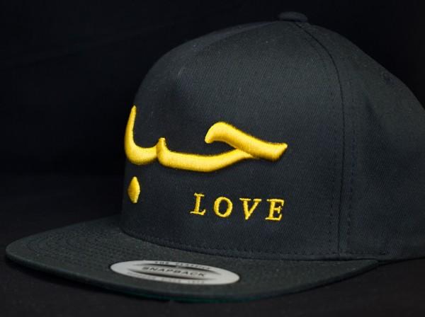 Love Snapback Schwarz mit 3D Gold Schrift
